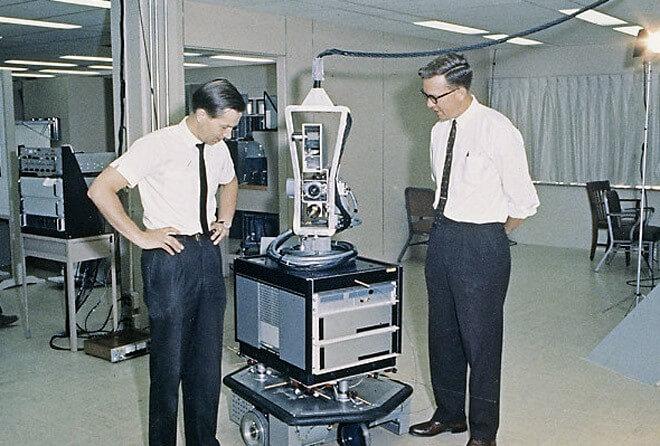 Shakey Prototype Software Development - Sprint przez historię sztucznej Inteligencji