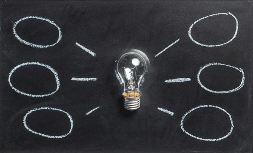 idea light bulb 2 - Ultranauka – czy to działa i jest tak uniwersalne, jak obiecują?
